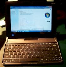 Acer Iconia WT1: Windows-Tablet in der Docking-Station mit Tastatur