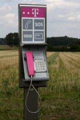 http://www.teltarif.de/arch/2012/kw01/gesprengte-telefonzellen-wiederaufbau-fraglich-1m.jpg
