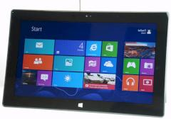 Der Windows 8 Startscreen auf einem Surface-Tablet.