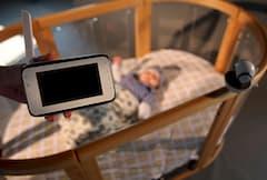 von kameras apps und babyfonen die kleinsten sicher. Black Bedroom Furniture Sets. Home Design Ideas
