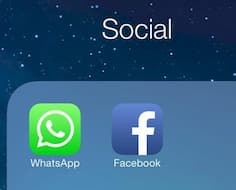 Ein iPhone-Screenshot mit den Symbolen der Social-Media Apps WhatsApp und Facebook.