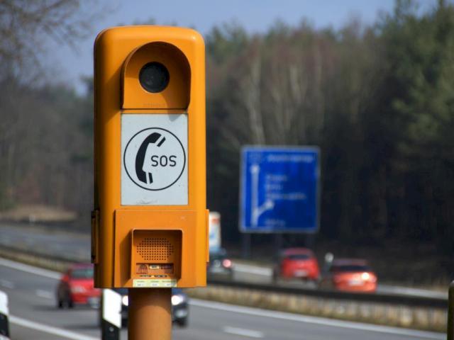 Autobahn Notrufsäule