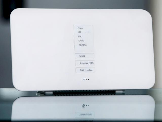 dsl lte weitere details zum hybrid router der telekom. Black Bedroom Furniture Sets. Home Design Ideas