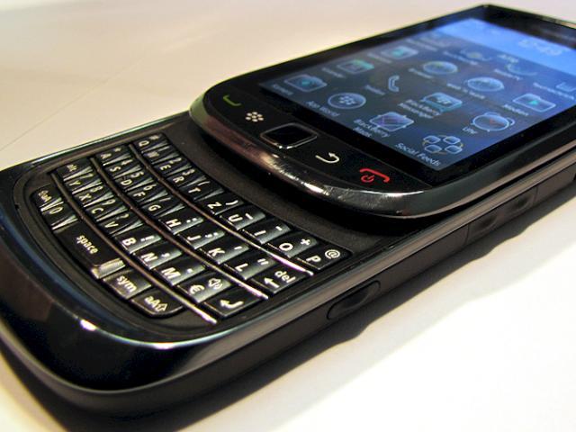 blackberry android smartphone mit hardware tastatur. Black Bedroom Furniture Sets. Home Design Ideas