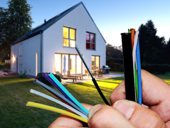 Telekom: So wird Glasfaser innerhalb des Hauses realisiert ...
