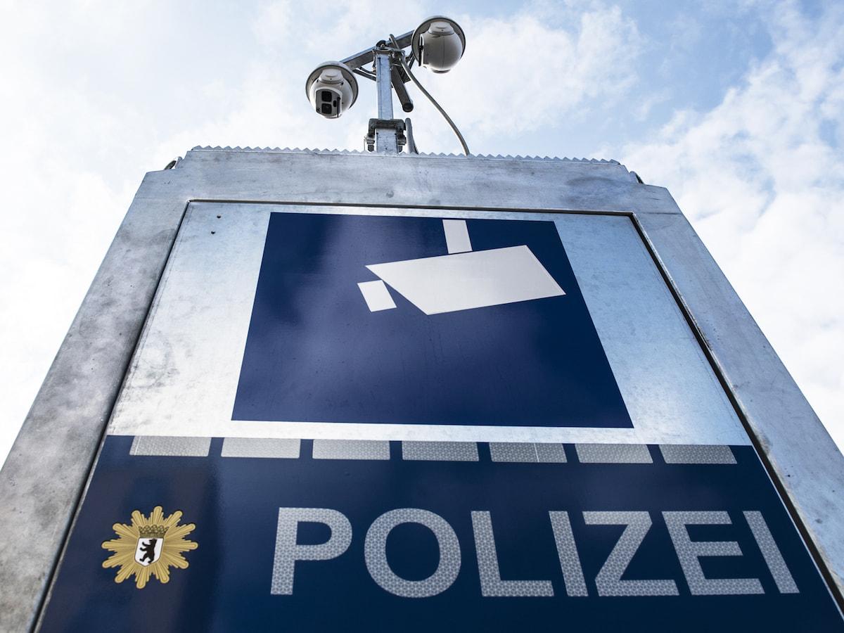 polizei berwachung mit mobilen kameras news. Black Bedroom Furniture Sets. Home Design Ideas