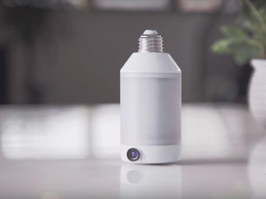 lightcam vereint smart gl hbirne und berwachungskamera news. Black Bedroom Furniture Sets. Home Design Ideas