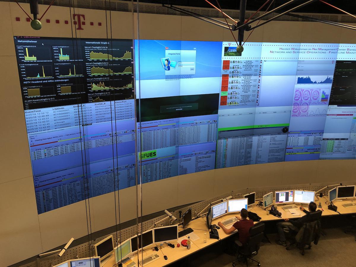 Telekom Einblick Ins Netzwerk Management Center Teltarifde News