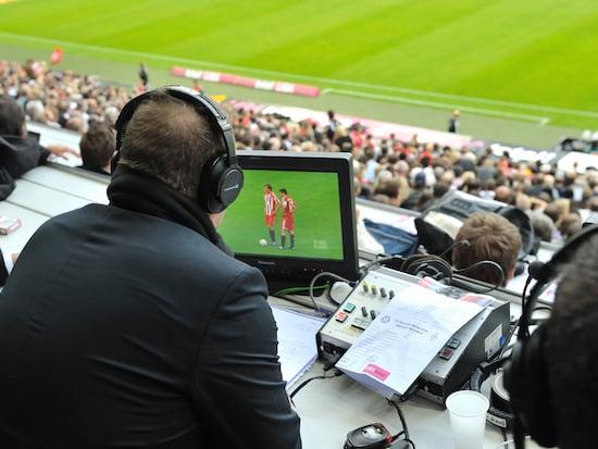 Fussball Bundesliga Start So Sind Sie Live Dabei Teltarif