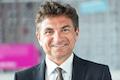 Der promovierte Informatiker und passionierte Marathon-Läufer Dr. Ferri Abholhassan ist Geschäftsführer Kundenservice der Telekom Deutschland