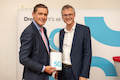 Nahmen das 5G-Netz in Betrieb: Peter Hanke, amtsführender Stadtrat für Finanzen, Wirtschaft, Digitalisierung und Internationales der Stadt Wien (links), Jan Trionow CEO Hutchison Drei Austria (rechts)