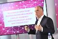 Telekom Deutschland Chef Dirk Wössner liegt der Netzausbau im Festnetz und Mobilfunk am Herzen