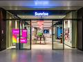 Der Schweizer Anbieter Sunrise hat noch 25 Shops geöffnet, der Rest läuft Online, und will seinen Kunden helfen.