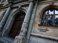 Die Staatsanwaltschaft für Cyberkriminalität in Bamberg kam einem Trio auf die Schliche, das mit geklauten Kontodaten und über eSIM-Karten fremde Bankkonten ausplündern wollte.