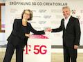 Telekom-Vorstand für Technologie und Innovation Claudia Nemat und Wirtschafts- und Digitalminister Prof. Dr. Andreas Pinkwart eröffnen das 5G Co:Creation Lab