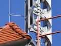 Bundesweiter Warntag am Donnerstag: Eine Sirenenanlage auf dem Dach der Feuerwehr in Schkeuditz. Die Lautsprecher haben 1800 Watt und können auch für Durchsagen genutzt werden.