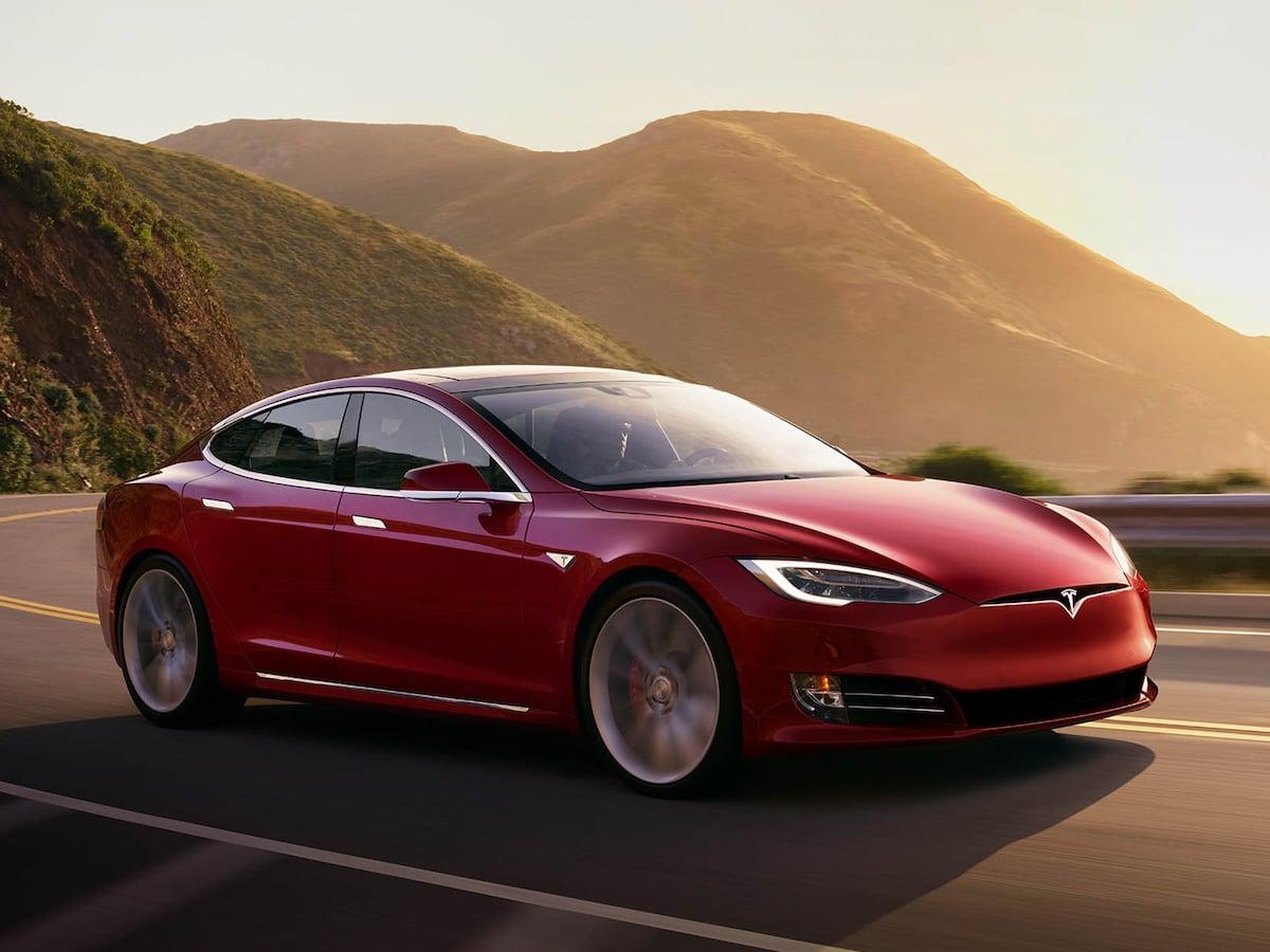 Tesla verlangt 500 US-Dollar für Radio-Upgrade