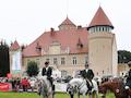 Stolpe auf Usedom hat ein wunderschönes Schloss, aber kein Netz, weil sich die Telekom mit dem Landkreis um 40cm streitet.