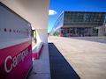 Der Telekom Campus am Bonner Landgrabenweg. Hier befindet sich unter anderem die technische Abteilung und der Mobilfunk, ferner ein T-Punkt-Shop, der öffentlich zugänglich ist.