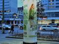 Diese Litfaßsäule sorgt in Berlin für besseres Mobilfunknetz, dort wo es auch gebraucht wird