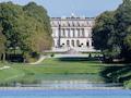 Besuchermagnet mit lausiger Funkversorgung: Schloss Herrenchiemsee. Jetzt liegt eine Glasfaser dorthin.