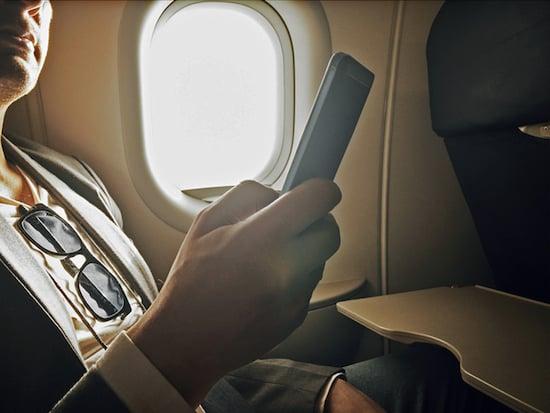 Vorsicht Handy Nutzung Im Flugzeug Kann Teuer Werden Teltarif De Ratgeber